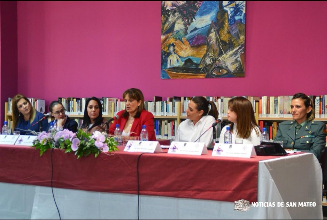 Coloquio mujeres osadas, mujeres valientes