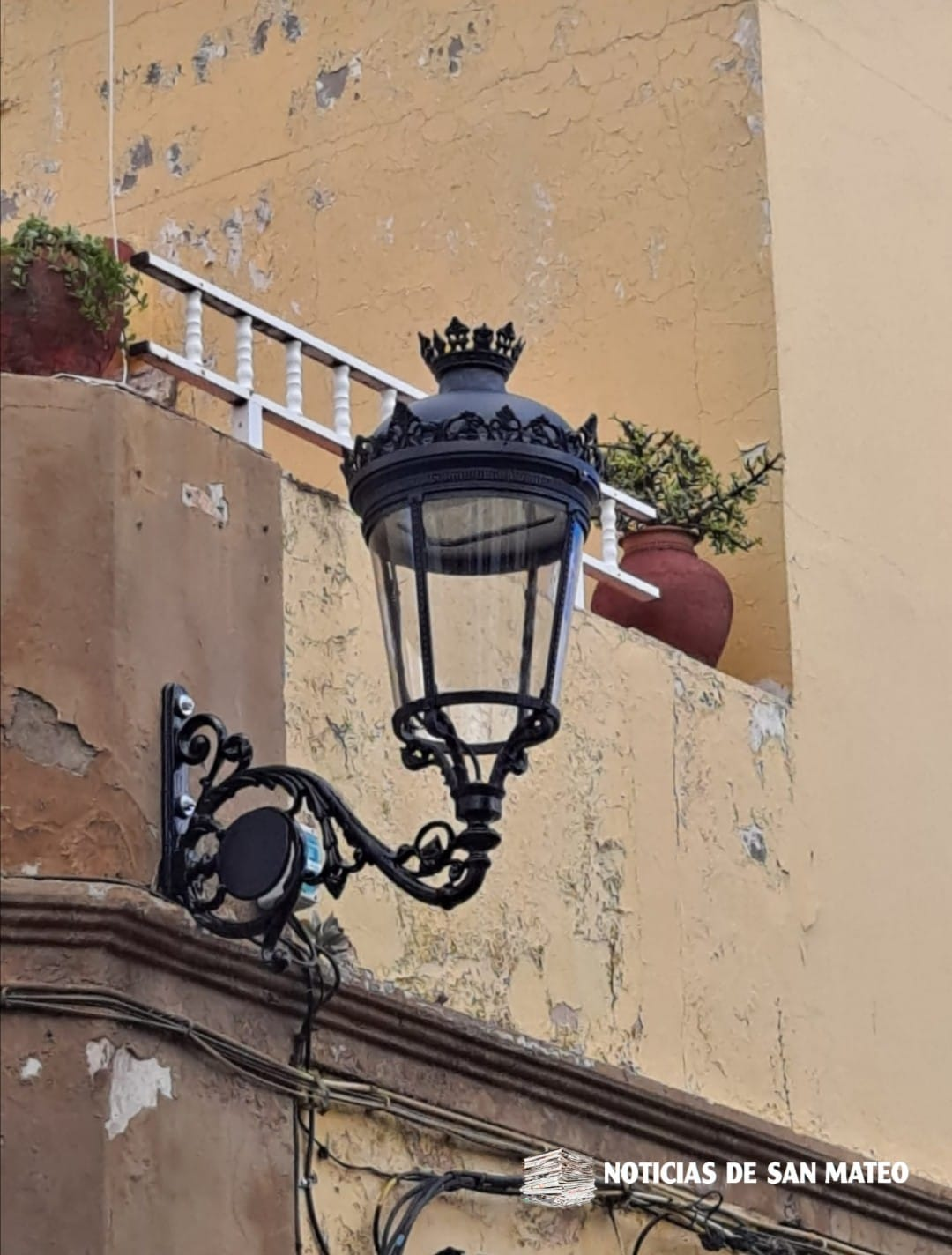 Farolas led cambio de luminarias San Mateo