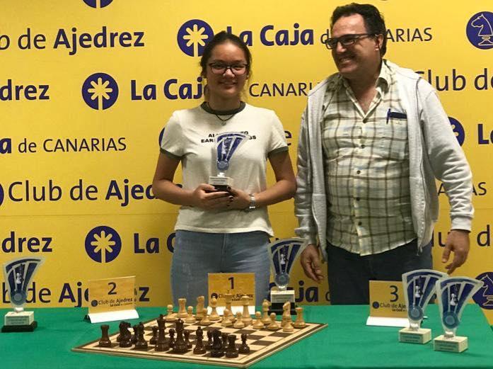 Luna Hernandez ajedrez dgd foto club ajedrez
