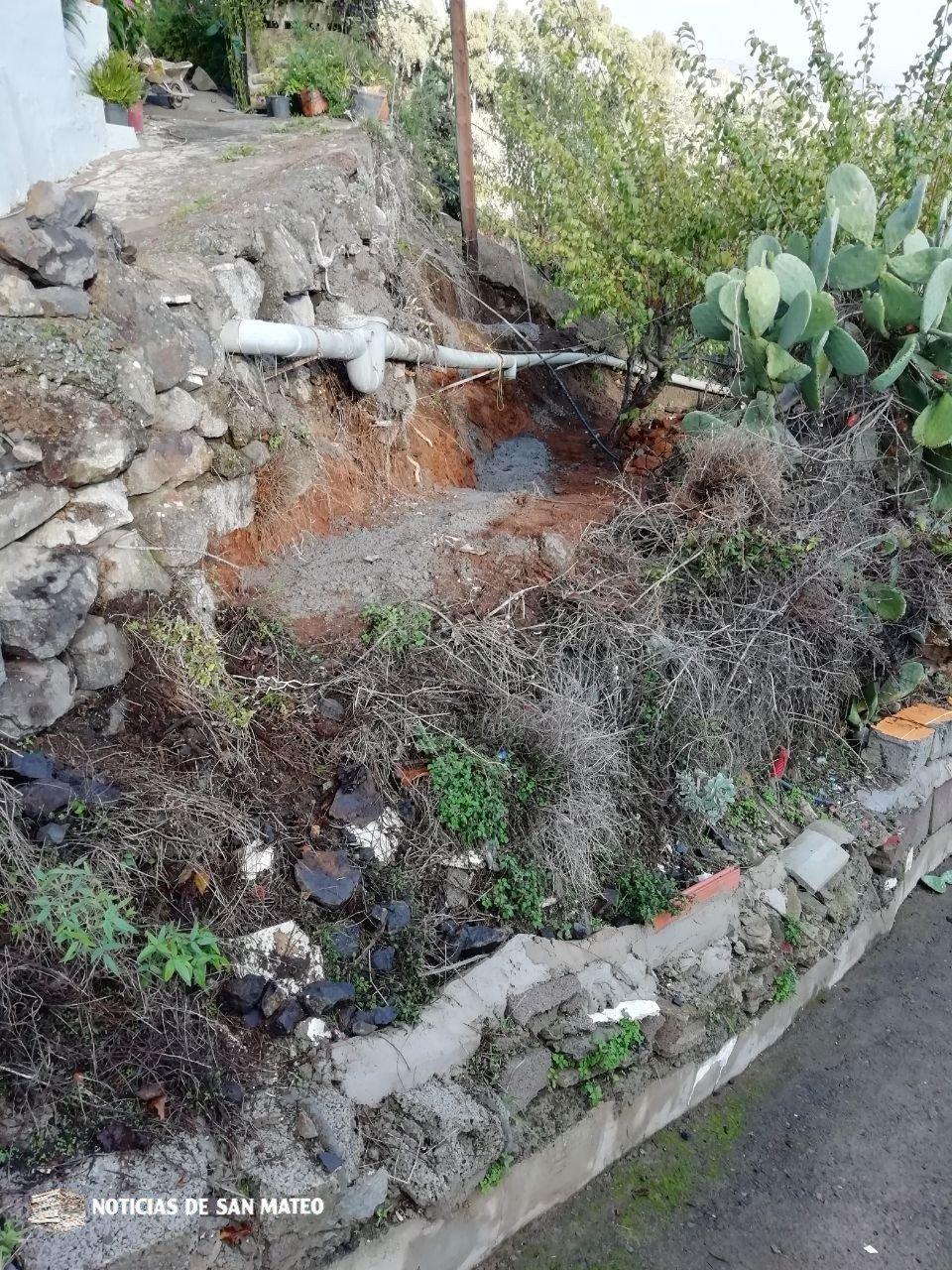 Comienza la rehabilitación de un muro de contención en La Lechuza