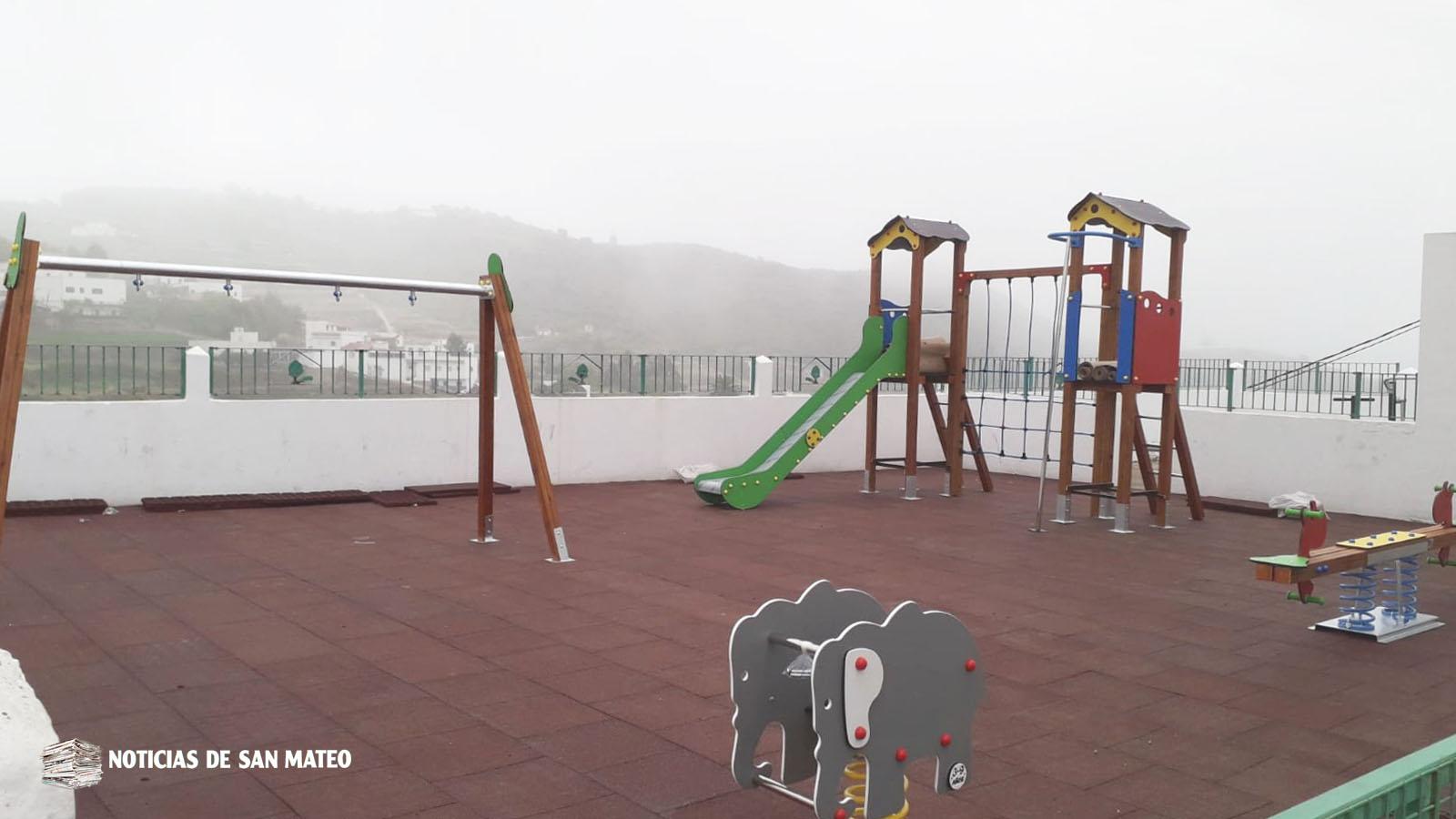 Aríñez estrena parque infantil